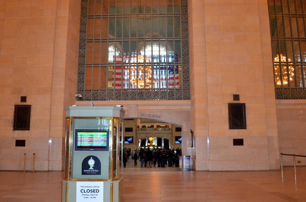 Walking through Grand Central Terminal (1/6)