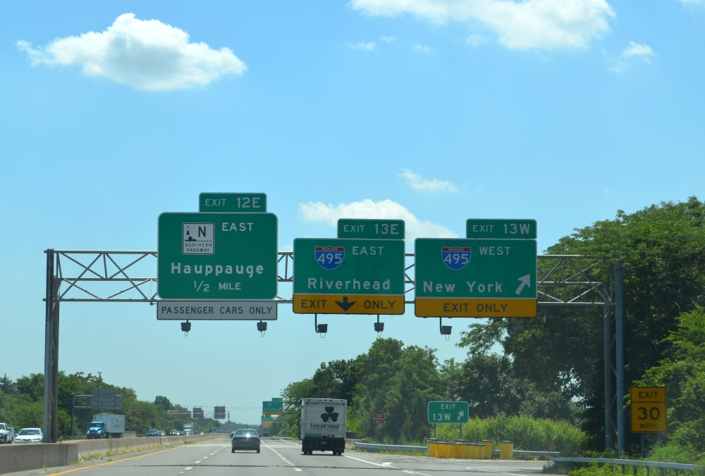 Riding the Seaford-Oyster Bay Expressway, Southern State Parkway, and Wantagh Parkway (1/6)
