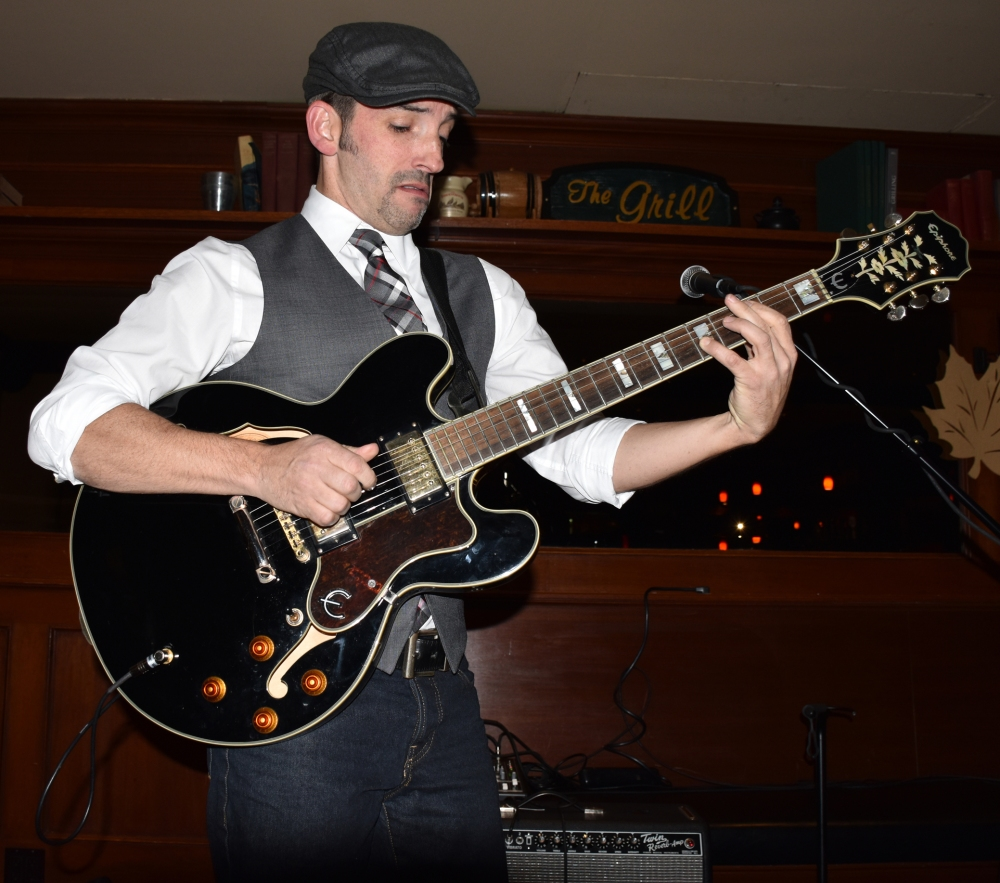 Matt Marshak at Houndstooth Pub: 2015 edition (6/6)